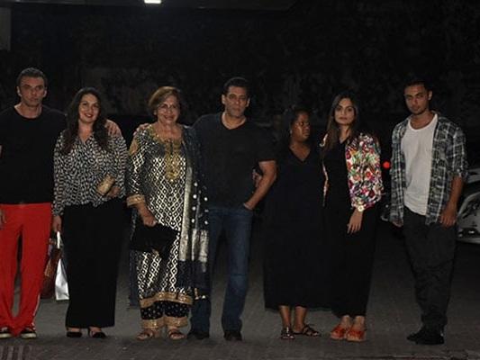 Inside Helen's Birthday Bash With Salman And Khandaan. See Pics