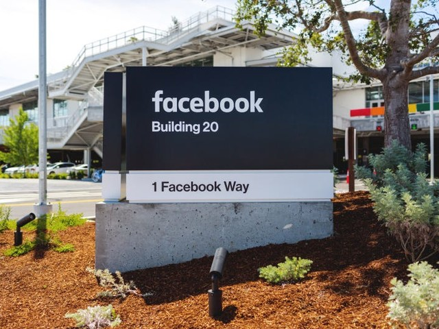 Facebook employee dies in apparent suicide at company's headquarters, police say