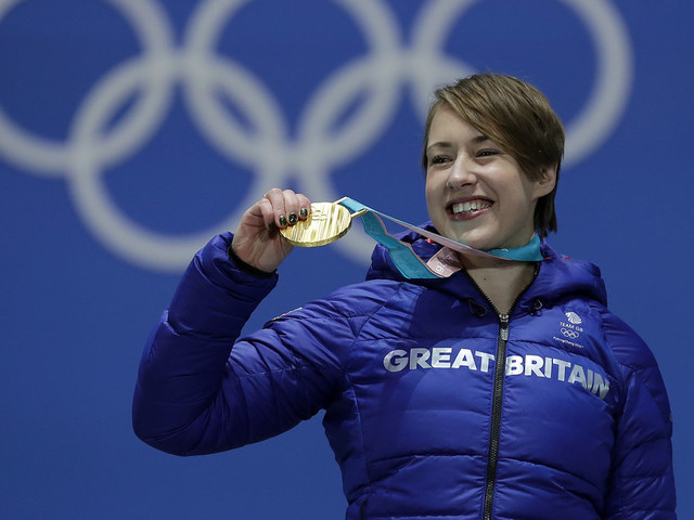 Olympic Gold Medalist Lizzy Yarnold Celebrated With Night Of 'Knitflixing'