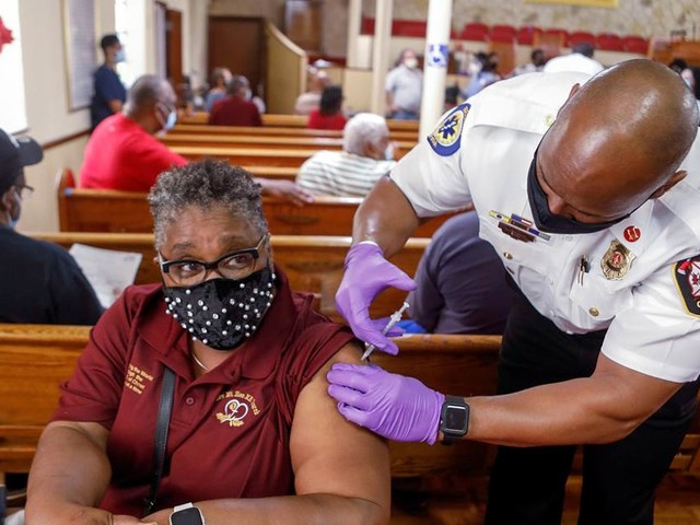How Blacks and Hispanics are being shortchanged on vaccines