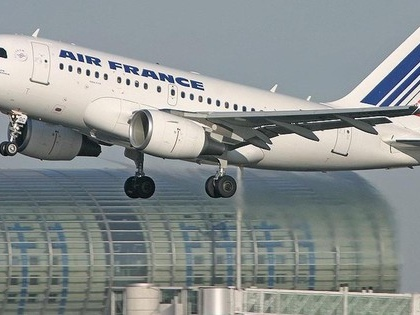 France will hike air fares to fight climate change
