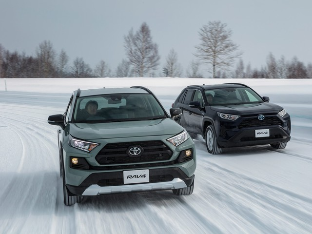 What Slump? Toyota Ekes out Its Best November to Date