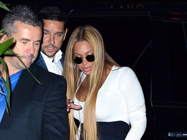 Beyonce Makes Glam Appearance at Star-Studded 'SNL' After-Party to Support Jay Z: Pics!