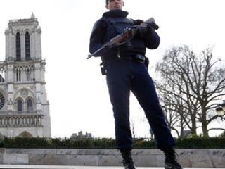 Paris: Women on trial for attempted attack near Notre Dame
