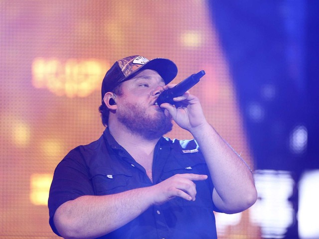 Country star Luke Combs sets Houston date