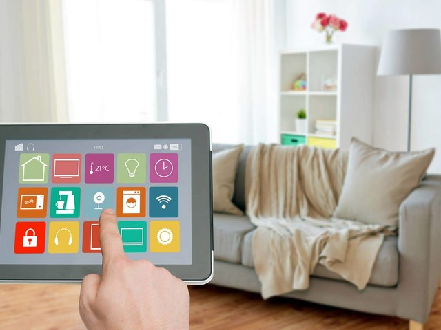 5smart home devices on Amazon that everyone should have
