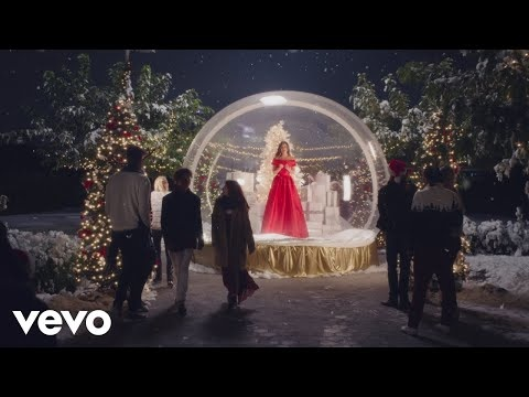 "Lea Michele Unveils Festive ""Christmas In New York"" Video"