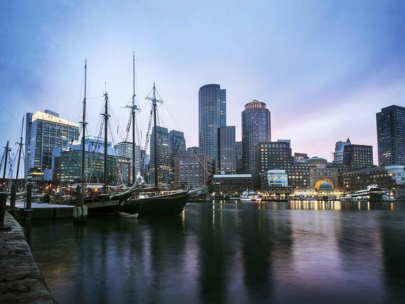 jetBlue – $197: San Francisco – Boston (and vice versa). Roundtrip, including all Taxes