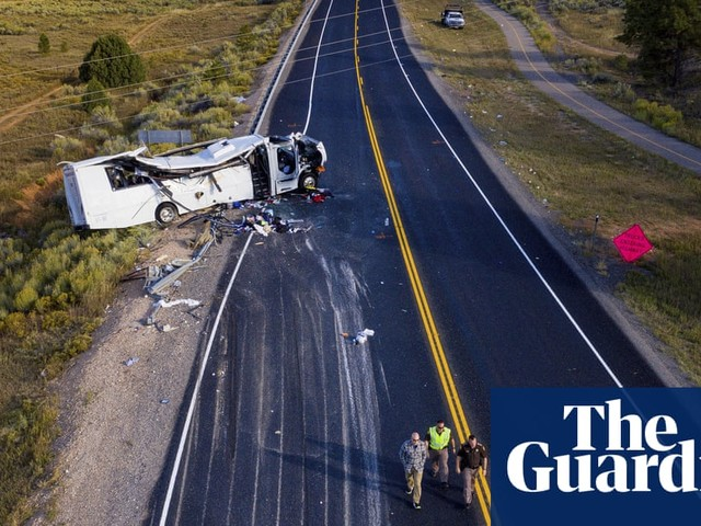At least four Chinese-speaking tourists killed in Utah bus crash