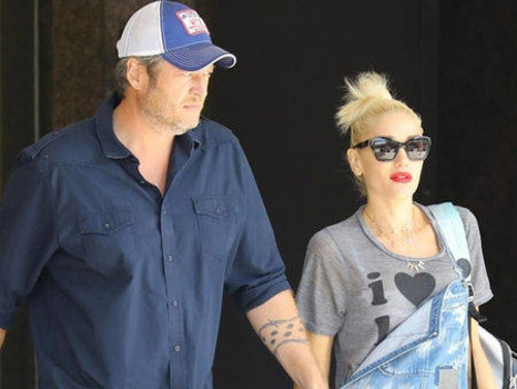 Gwen Stefani Really Loves Shoes With Blake Shelton's Face on Them