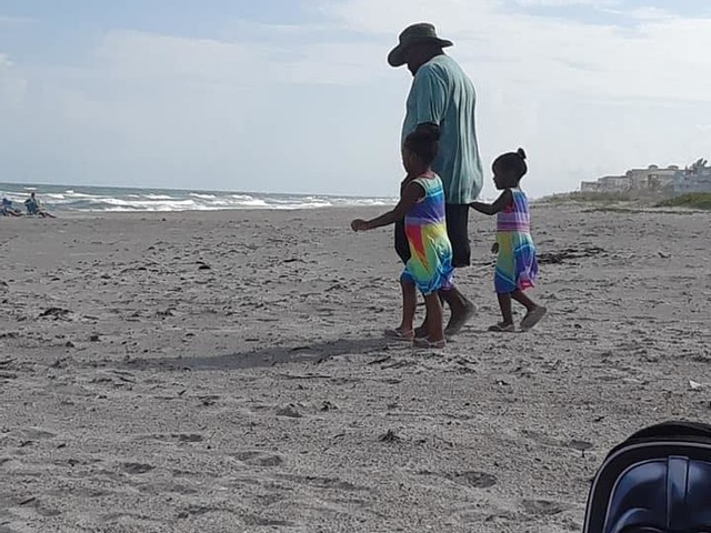Kentucky man dies trying to save sons from Florida rip current during family trip