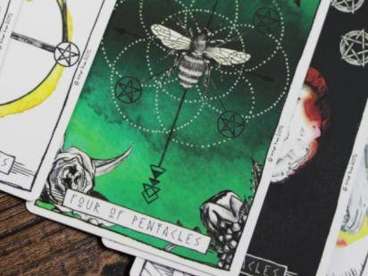Your Daily Love Horoscope & Tarot Card Reading For All Zodiac Signs On Saturday, December 7, 2019