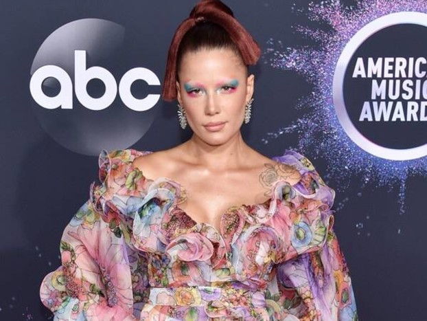 American Music Awards 2019 Red Carpet Fashion: See Every Look as the Stars Arrive