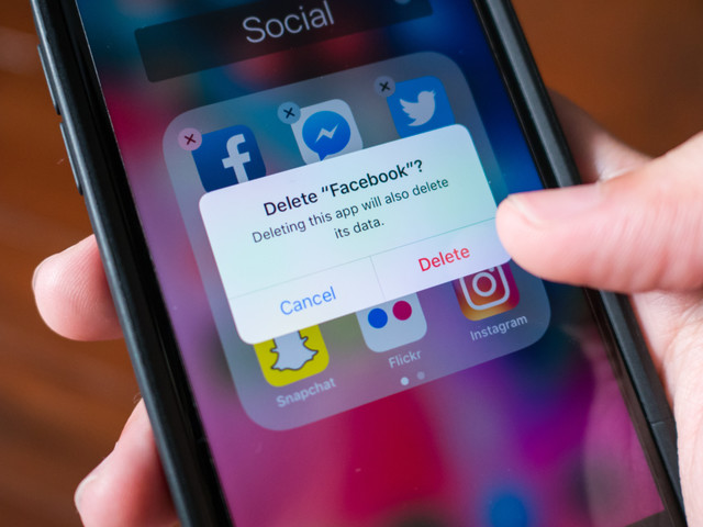 How to delete apps on an iPhone