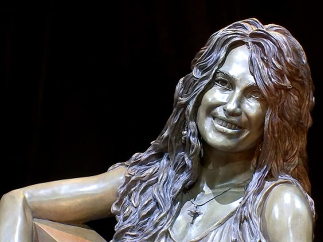 1st Latina sculpture in Houston coming to East End