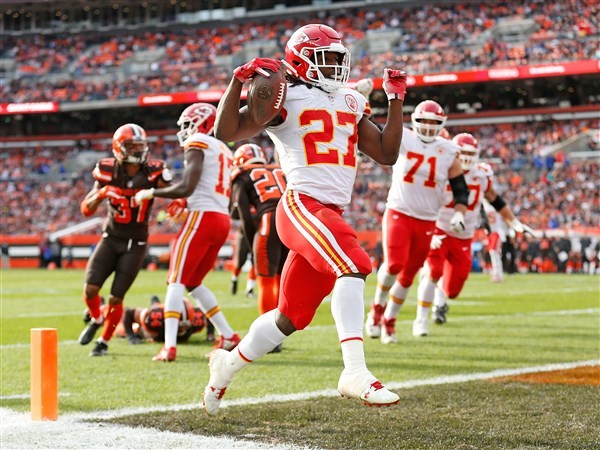 Browns' Kareem Hunt suspended first eight games of season