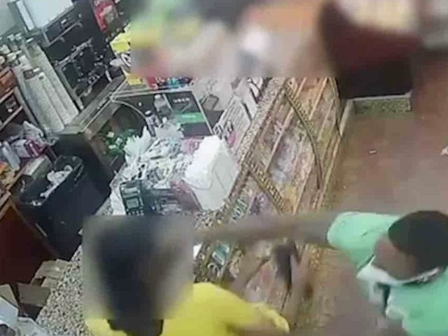 Thug caught on video repeatedly stabbing Brooklyn deli customer — for staring