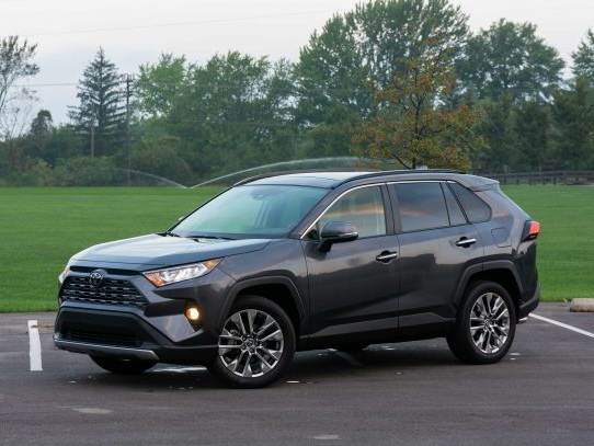 2019 Toyota RAV4 Review – Half a Million Buyers Can't Be Wrong