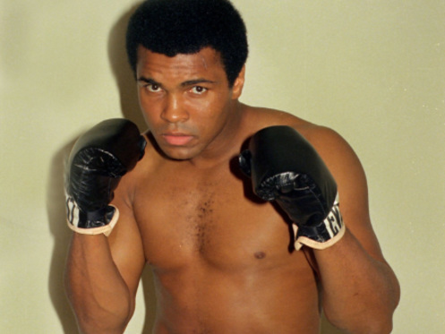 Airport news: Muhammad Ali International + PHX Sky Club, DFW train, LAX, O'Hare, NYC