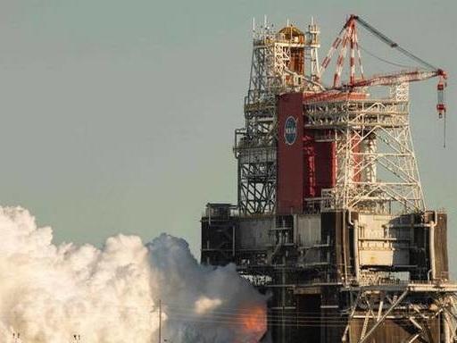 NASA test of mega Moon rocket engines cut short
