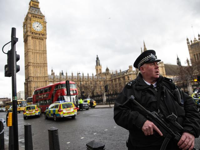 Officials probing link between car attacks near UK Parliament