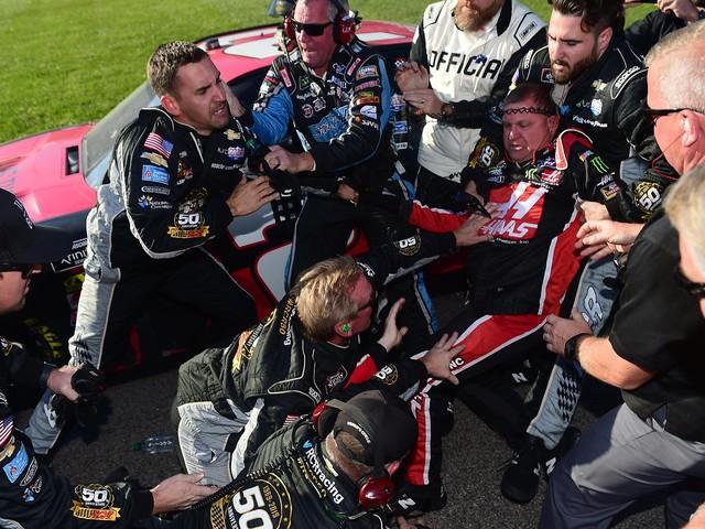 Hendrick Motorsports in playoff peril at Kansas Speedway