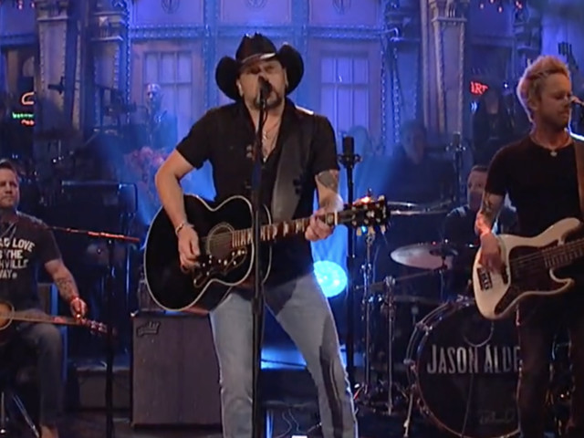 "Jason Aldean Performs ""I Won't Back Down"" on SNL–A Moving Tribute the Victims of the Las Vegas Shooting & Tom Petty"