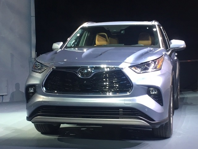 This Just In: 2019 New York Auto Show—Toyota Unveils New Generation Highlander