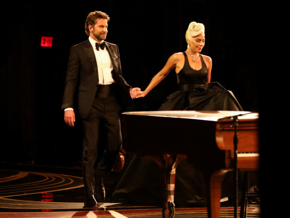 """Watch Lady Gaga & Bradley Cooper Sing """"Shallow"""" At The Oscars"""