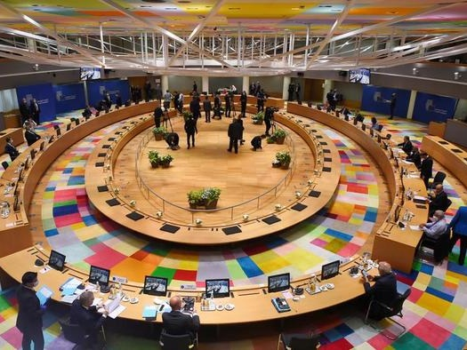 "Kremlin ""Regrets"" EU Rejection Of Putin Summit, Blasts Poland & Baltics' ""Groundless"" Fearmongering"