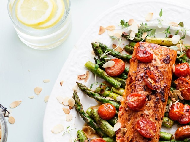 Low-carb and keto fish and seafood recipes