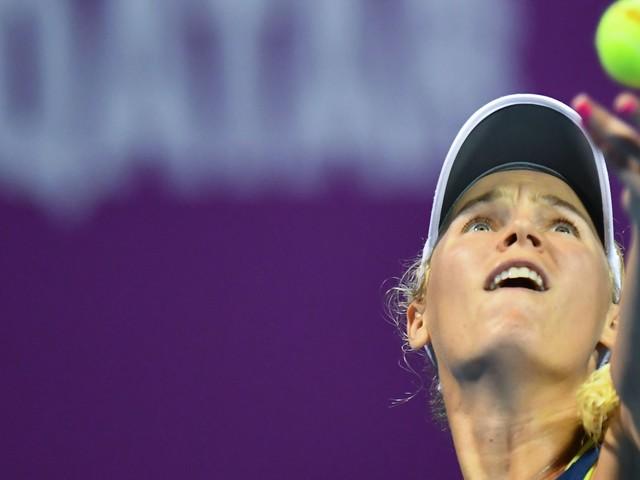 Caroline Wozniacki stays No. 1 after edging Angelique Kerber in Qatar