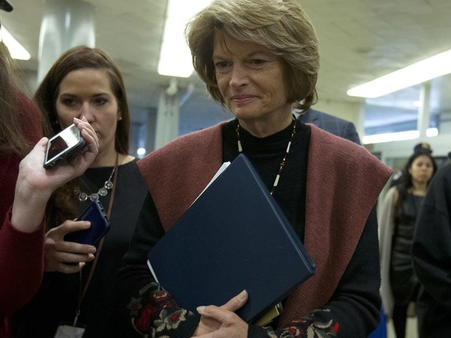 Lisa Murkowski reassures Trump in call: 'I don't hate you'