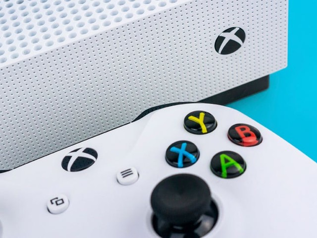 How to change your age on an Xbox One by editing your Microsoft account online
