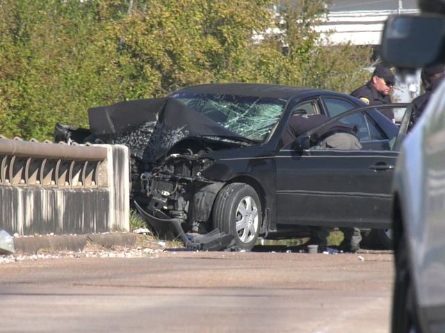 3-year-old boy killed, two others injured in single car crash near Sam Houston Tollway in south Houston