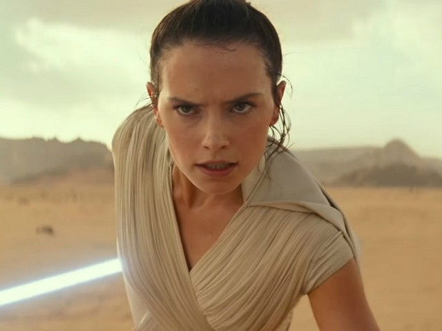 "Daisy Ridley Promises 'The Rise Of Skywalker' Will Address That ""Reylo Thing"""
