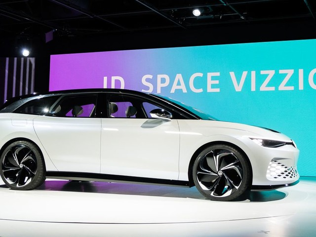 Volkswagen's ID Space Vizzion is an electric wagon that goes 300 miles