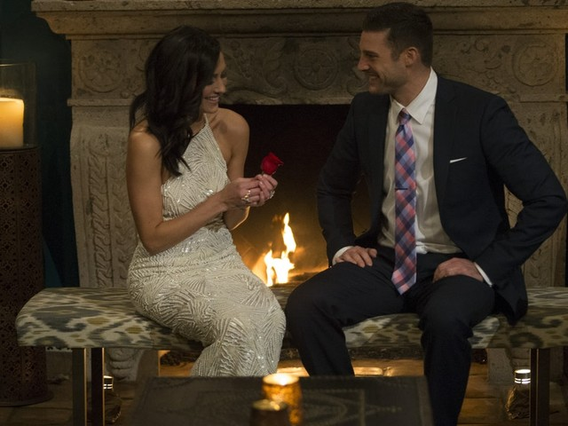 Becca & Garret's Date On 'The Bachelorette' Has Fans Convinced She's Smitten