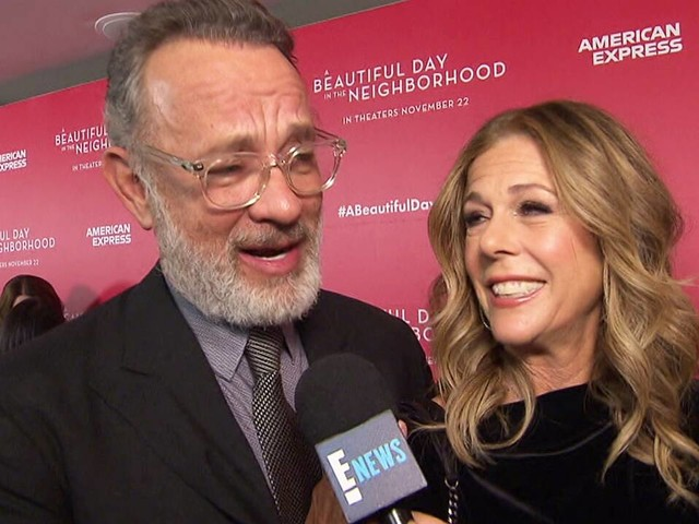 Tom Hanks Sings Mr. Rogers Songs on Red Carpet
