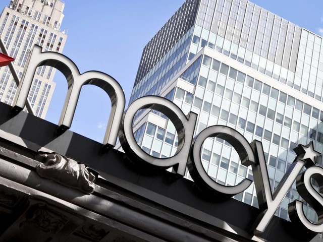 Lowering earnings outlook, Macy's sends ominous signal for retailers