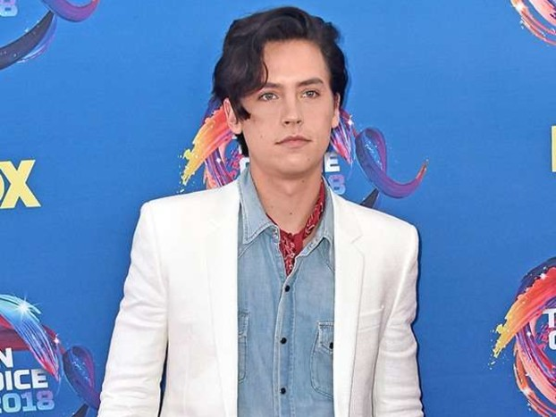 Teen Choice Awards 2018: See the Riverdale Cast, Chloë Grace Moretz and More Stars Hit the Red Carpet