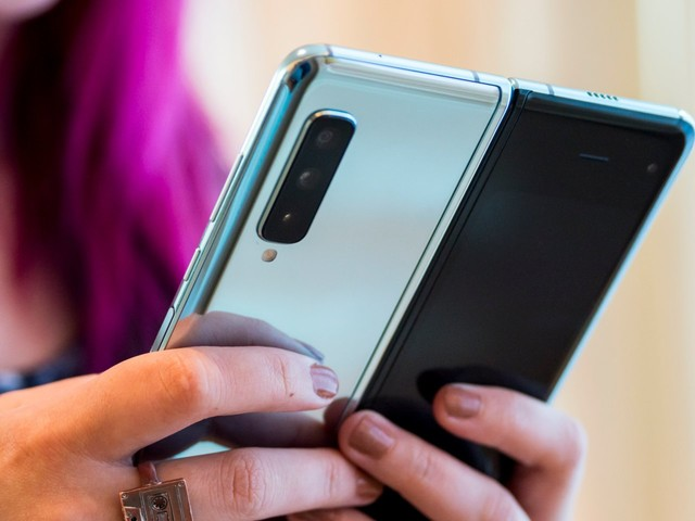 Review units of Samsung's $2,000 Galaxy Fold are already breaking — here's what it's been like to use so far