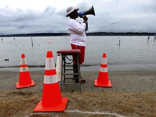 Seattle brings back lifeguards at 4 beaches, with some COVID-19 guidance for swimmers