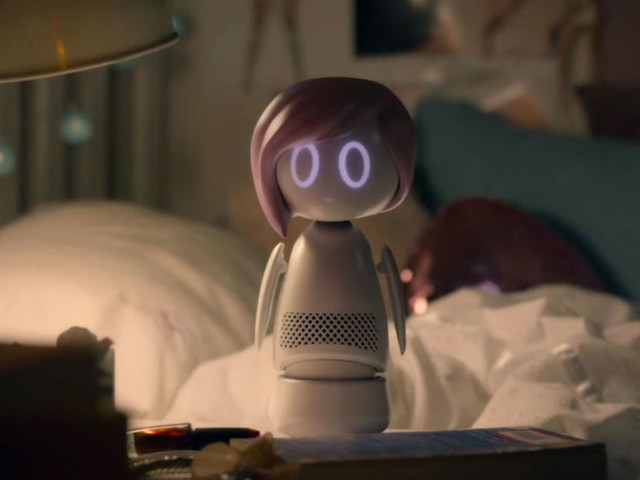 'Black Mirror' season 5 trailer has Miley Cyrus and an ego-stroking robot