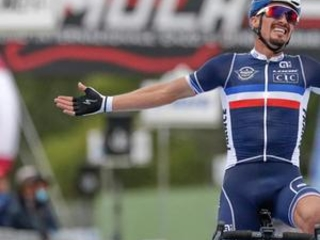 Cycling champ Alaphilippe undergoes hand op after crash