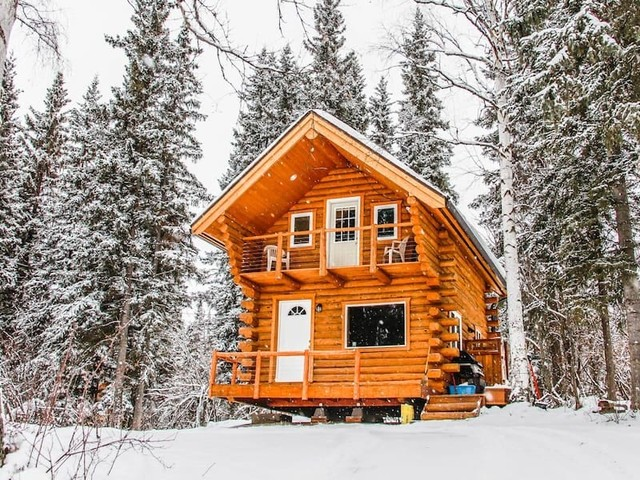 The most unique Airbnb in every US state, from a larger-than-life potato in Idaho to a shipping container tree house in Ohio