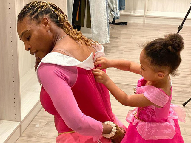 Serena Williams and daughter Olympia play dress-up in matching princess gowns