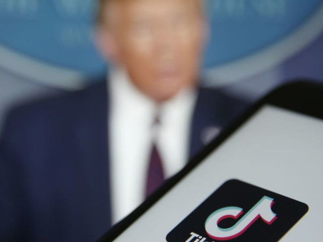 Trump signs off on TikTok deal with Oracle and Walmart, judge blocks WeChat ban