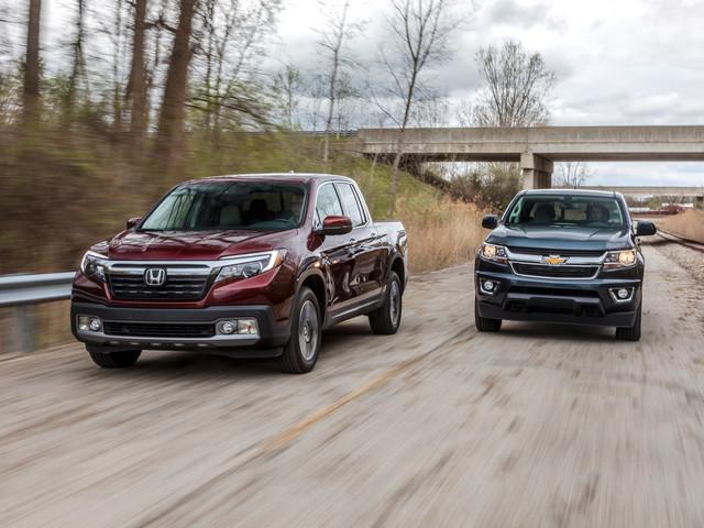 2017 Chevrolet Colorado LT Crew Cab 4WD vs. 2017 Honda Ridgeline RTL-E AWD – Comparison Tests