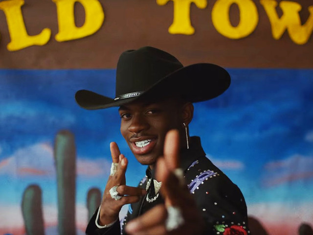 "Lil Nas X's ""Old Town Road"" Makes History As Longest-Running #1 Single on Billboard Hot 100 After 17 Weeks"
